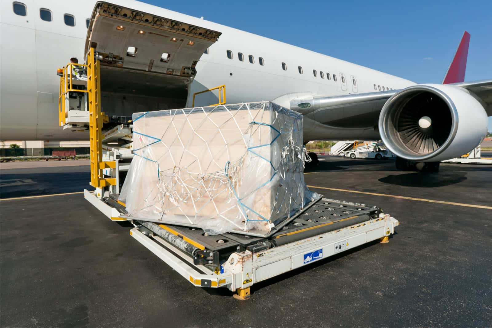 Optimizing Global Supply Chain With Air Freight